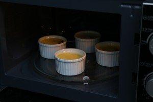 Cách làm bánh flan siêu tốc bằng lò nướng-hình số-9