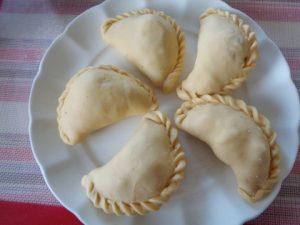 Hướng dẫn cách làm bánh gối chiên thơm ngon-hình số-2
