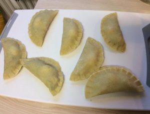 Cách làm bánh gối và nước chấm cực ngon-hình số-2