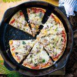 Cách làm bánh pizza hải sản bằng chảo đơn giản