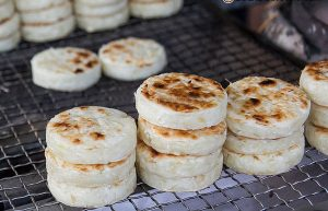 Hướng dẫn làm bánh khoai mì nướng hấp dẫn-hình số-3