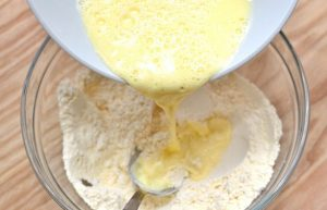 Cách làm bánh bông lan bằng bột mì số 8-hình số-2
