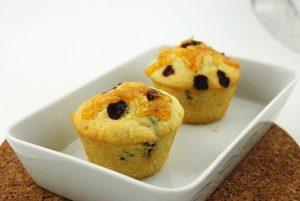 Học làm bánh bông lan với bột trộn sẵn cực dễ