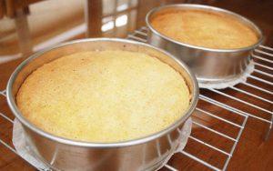 Cách làm bánh bông lan bằng lò vi sóng-hình số-4