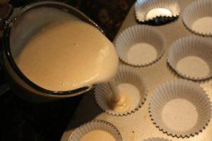 Chia sẻ cách làm bánh bông lan trứng muối-hình số-5