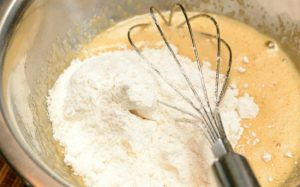 Cách làm bánh bông lan với bột nở đơn giản nhất-hình số-2