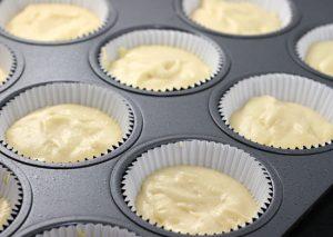 Cách làm bánh bông lan với bột nở đơn giản nhất-hình số-4