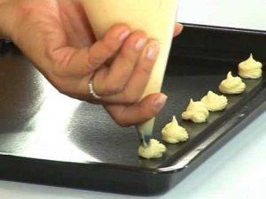 Công thức làm bánh su kem bằng bột mikko-hình số-3