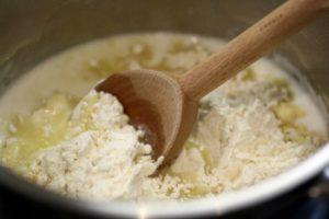 Cách làm bánh su kem đơn giản không cần lò nướng-hình số-2