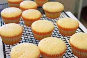 Tự làm bánh cupcake Giáng sinh đơn giản-hình số-1