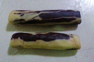 Chia sẽ cách làm bánh quy hai màu đẹp mắt-hình số-5