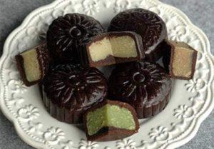 Chia sẽ cách làm bánh trung thu socola ngon lạ-hình số-3